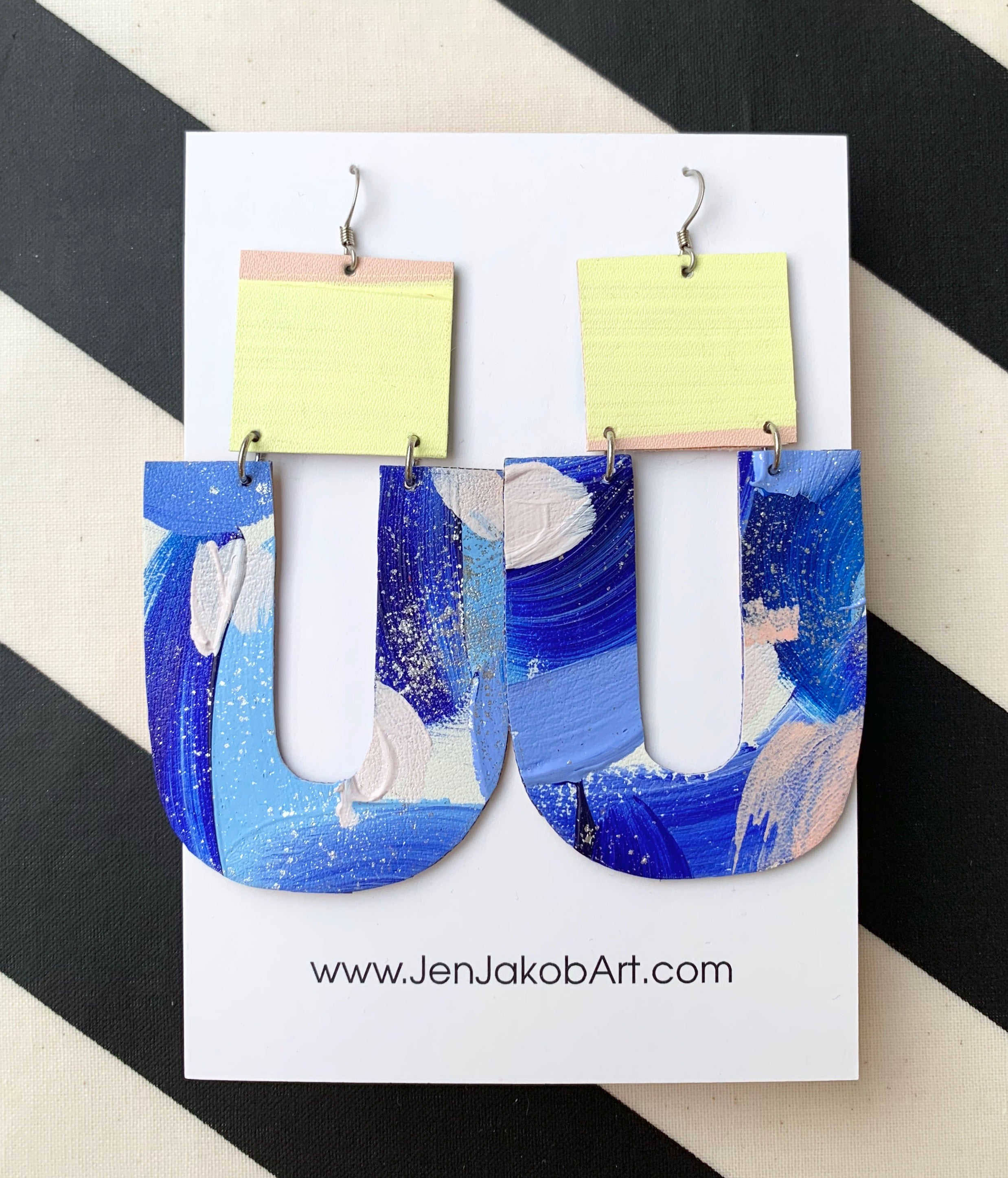 ❤️U Earrings in blue, white, yellow
