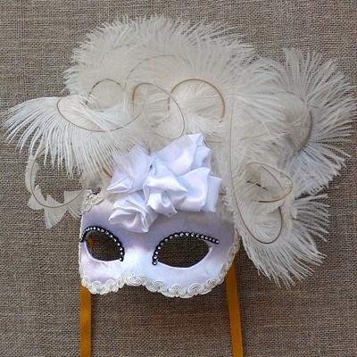 Colombina White Rose Cloud Masquerade Mask