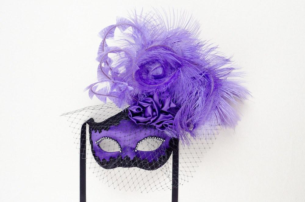 Dolce Rosa Purple Masquerade Mask