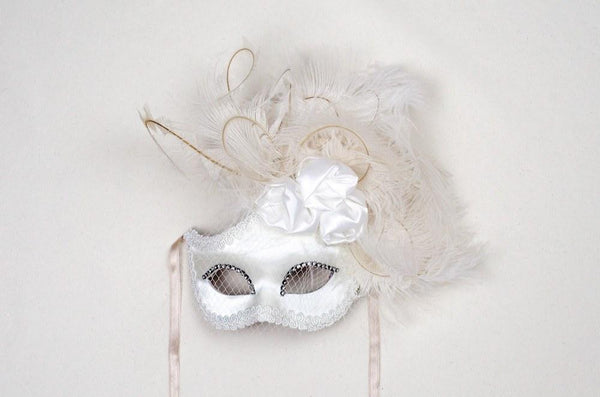 Dolce Rosa White Masquerade Mask