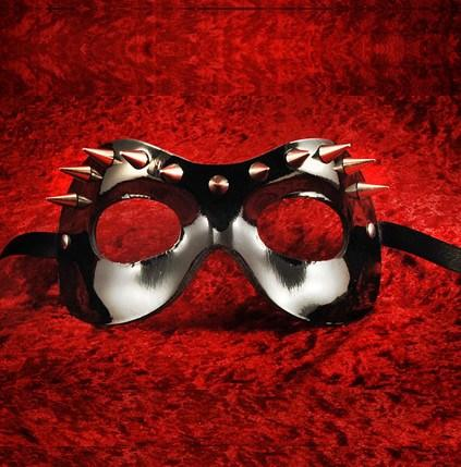 Fellini Borchie D Masquerade Mask
