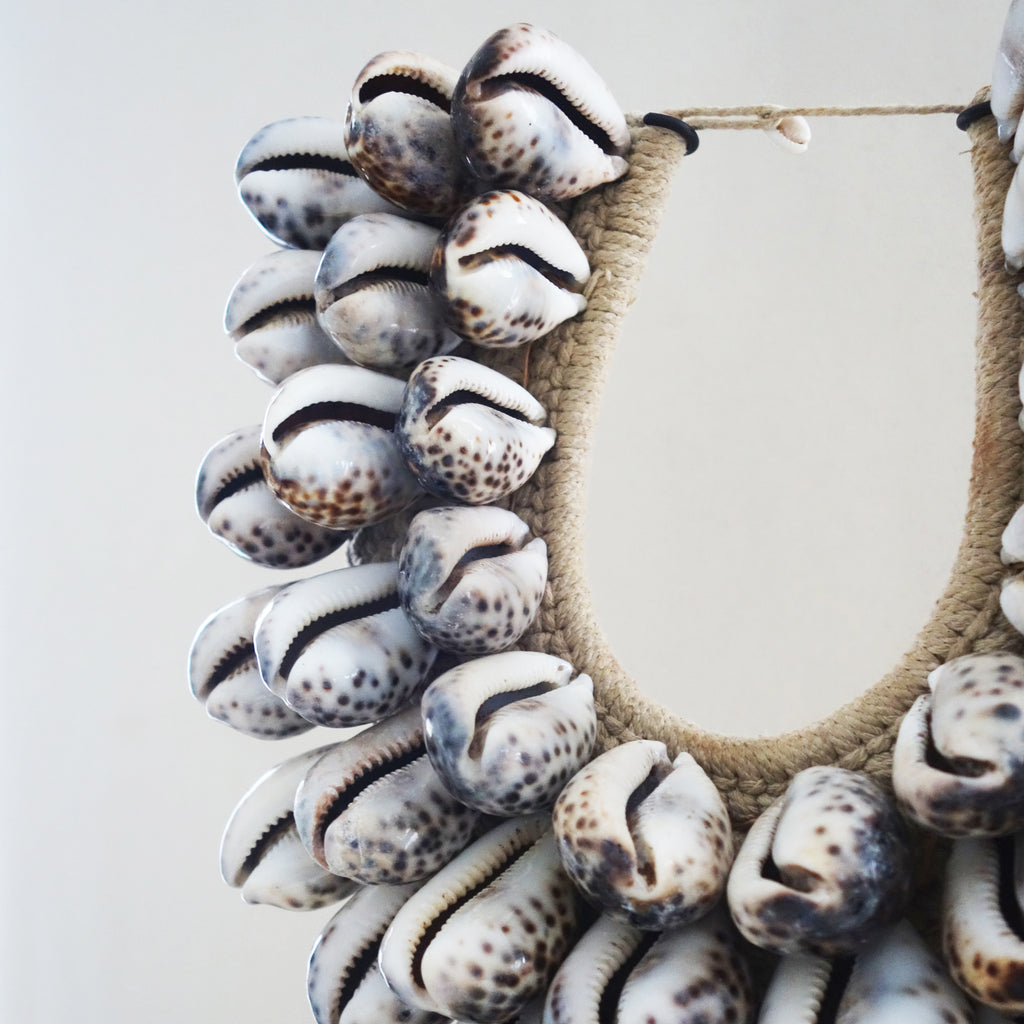Vintage Spotted Ovula Shell Long Pendant Necklace