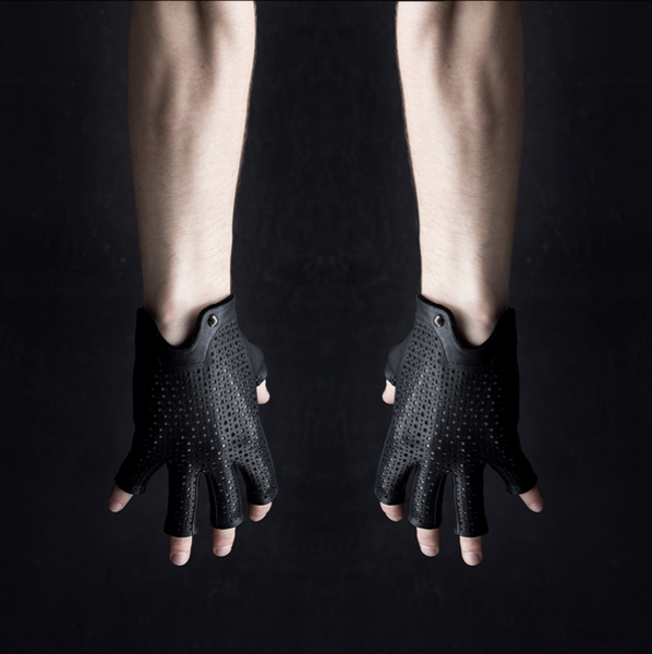 GOTHIC GOLFER GLOVES