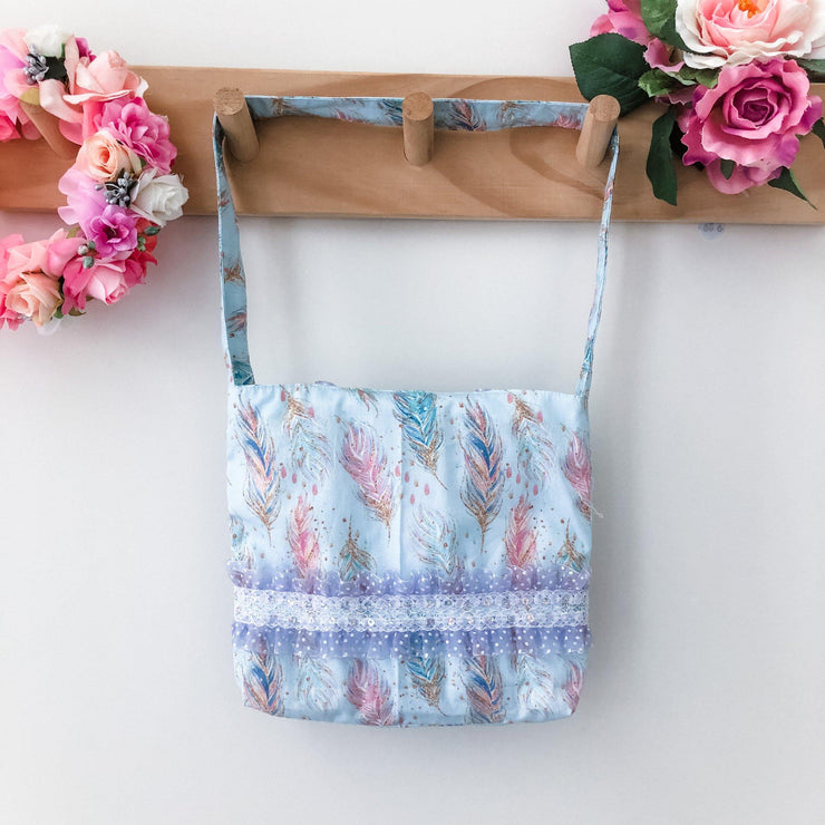 Mini Handbag - Feathers - Mini Mooches is an Australian owned business specialising in handmade clothing and accessories for girls aged between 1-10. Beautifully designed Floral Dresses, Peplum Tops, Suspender skirts and shorts. Special occasions to everyday wear.