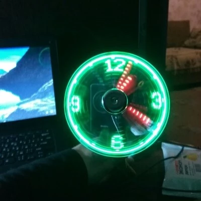 Fan led clock