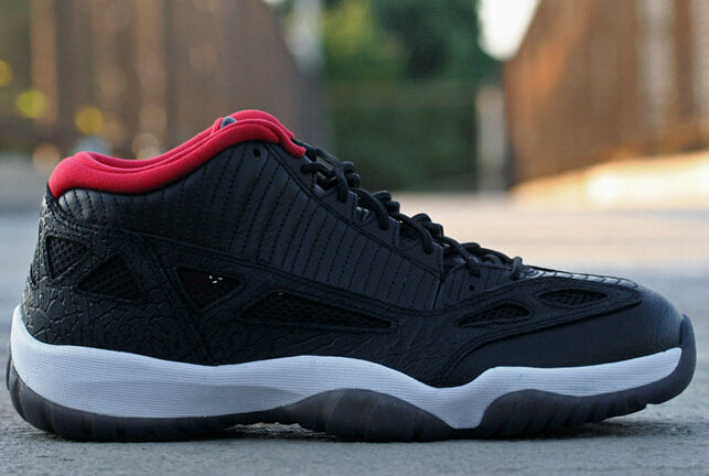 air jordan 11 retro low ie black\/true red