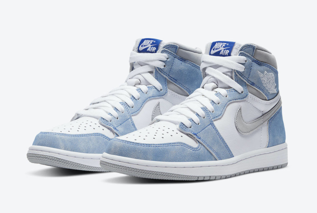 Air-Jordan-1-Hyper-Royal-Light-Smoke-Grey
