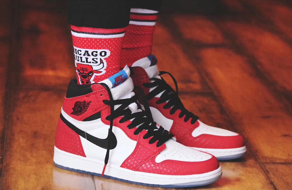 0fe7b5336b3f Air Jordan Retro 1 High OG Chicago Crystal