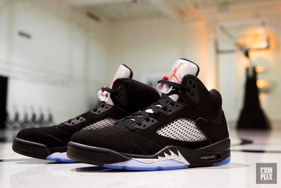 Jordan 5 Black Metallic Returns July 2016 Complex