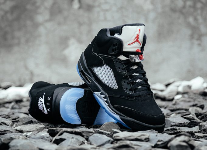 Jordan 5 Black Metallic Returns July 2016 detailed pics
