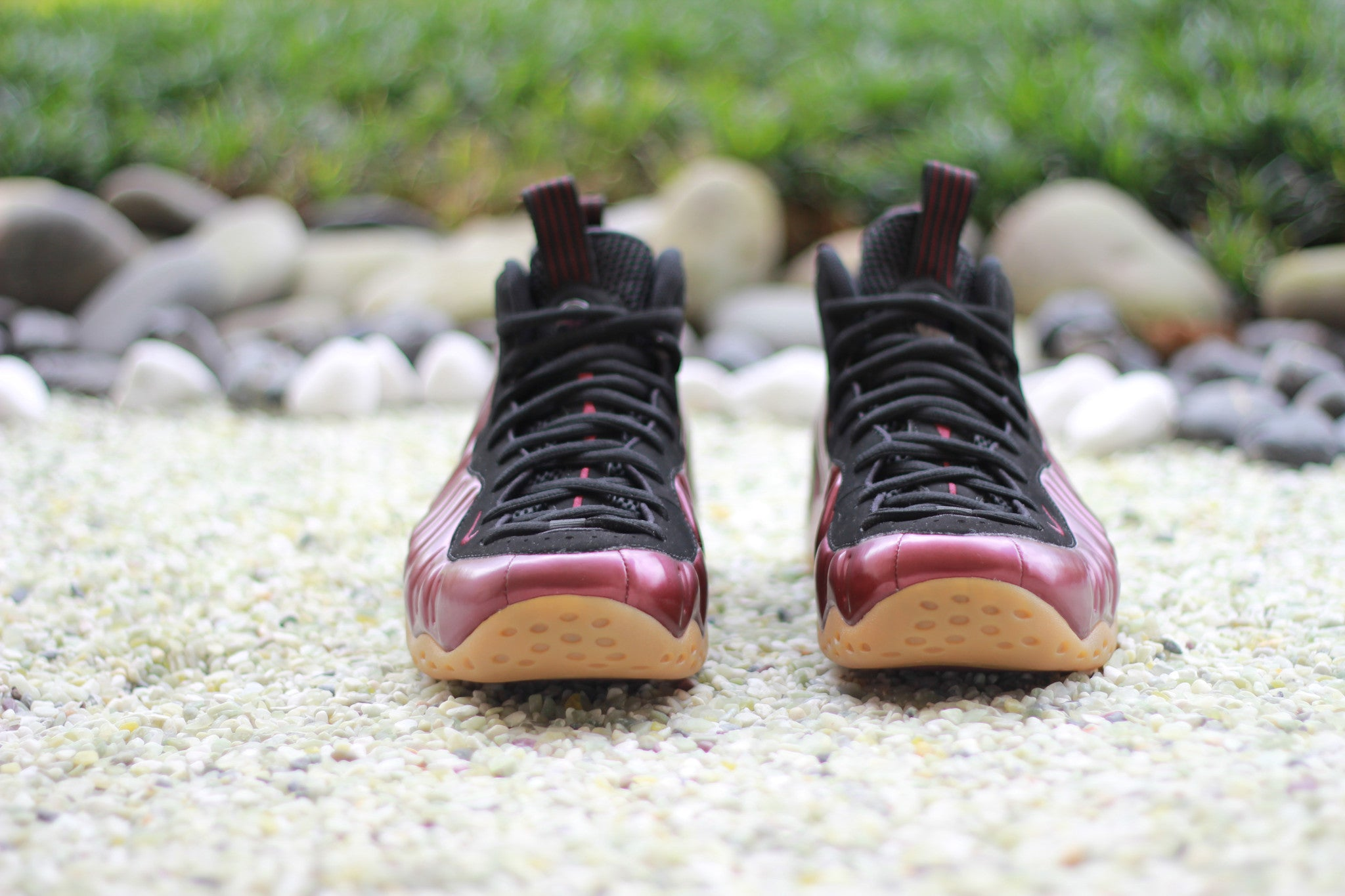 Nike-Air-Foamposite-One-maroon-2016-release