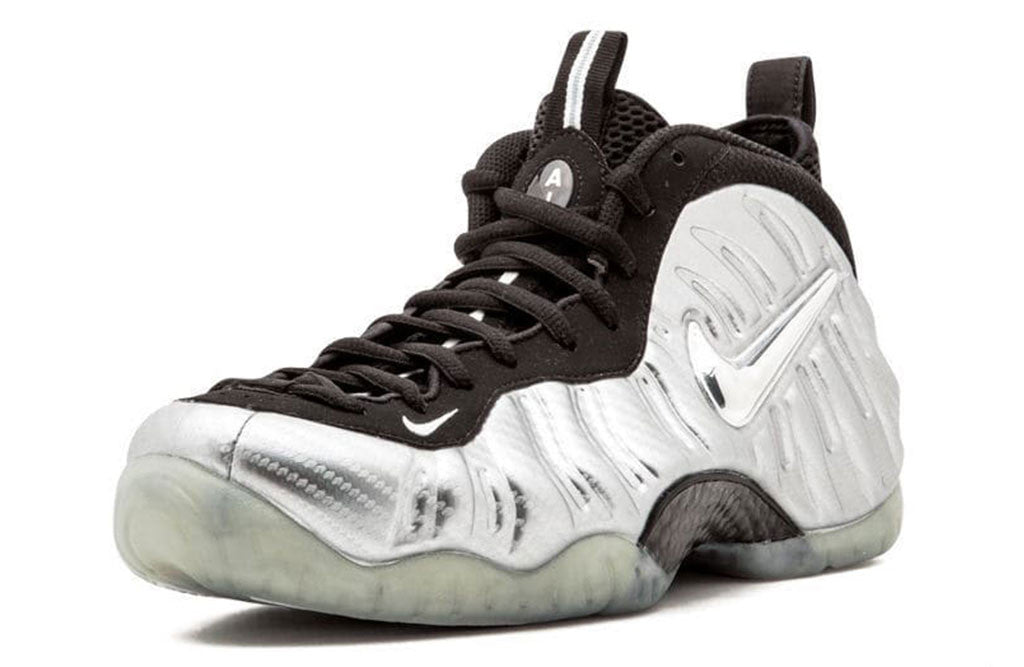 Nike Air Foamposite Pro Silver Surfer right