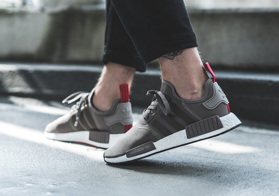 adidas-nmd-r1-taupe-red