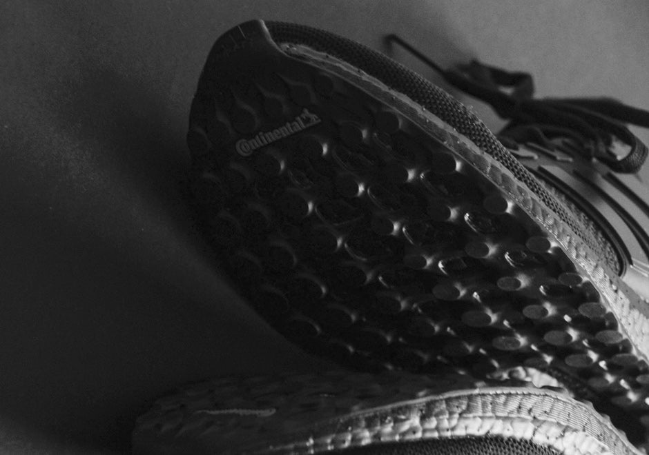 adidas-ultra-boost-triple-black-detailed-sole