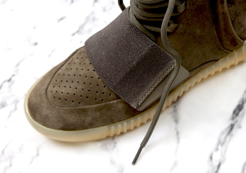 adidas-yeezy-boost-750-chocolate-gum-detailed-toes