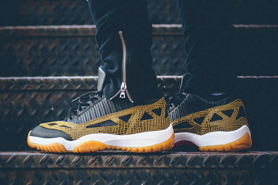 2015 jordan 11 low ie snakeskin on foot pic