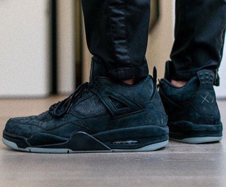 kaws-black-air-jordan-4-2018-thumb-nail