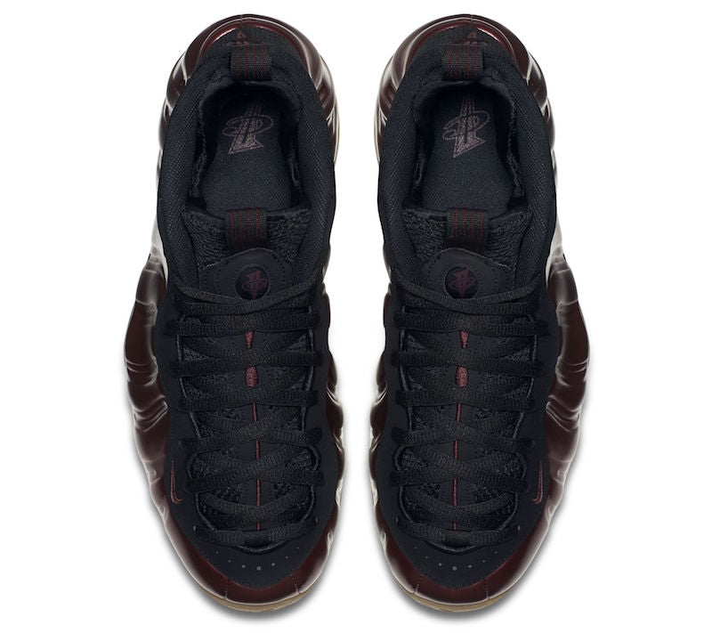 nike-foamposite-one-maroon-gum-close-up