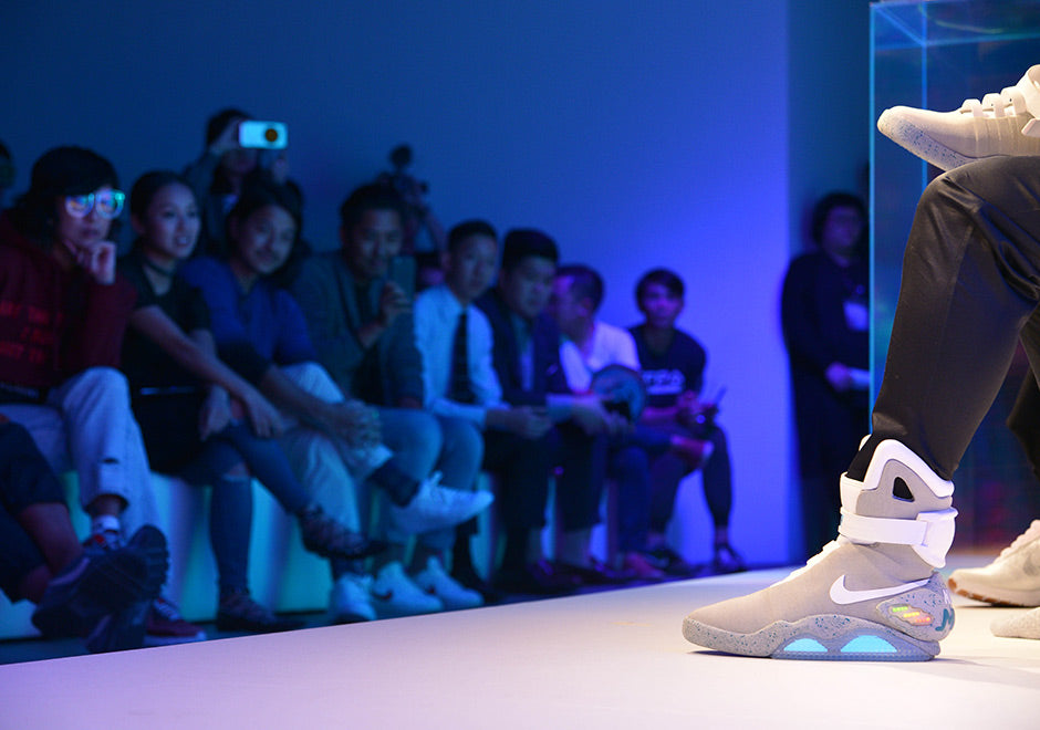 nike-mag-auction-hongkong