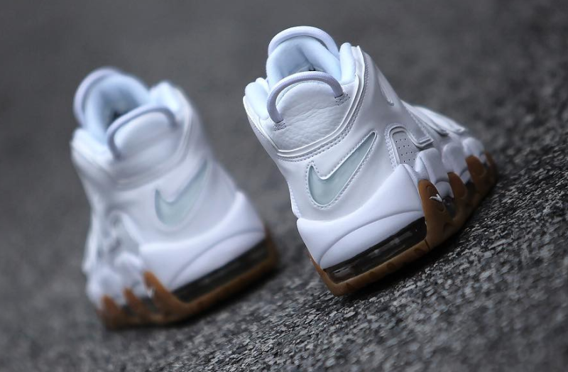 "4cf2e8fa482 NIKE AIR MORE UPTEMPO ""WHITE GUM"""