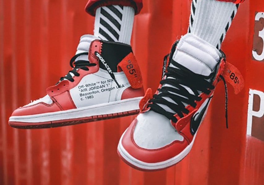 off-white-air-jordan-1-on-feet-look-close-up