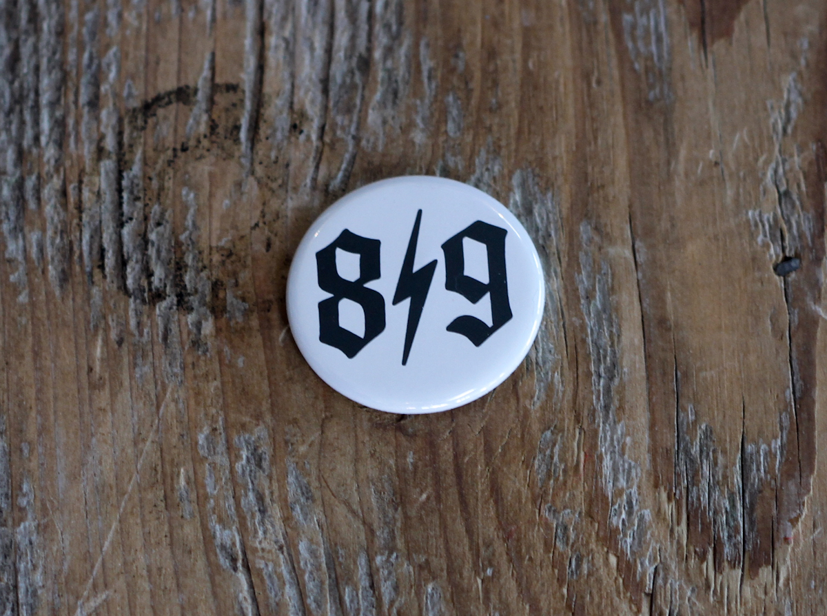 O.E. Button Pin W/B