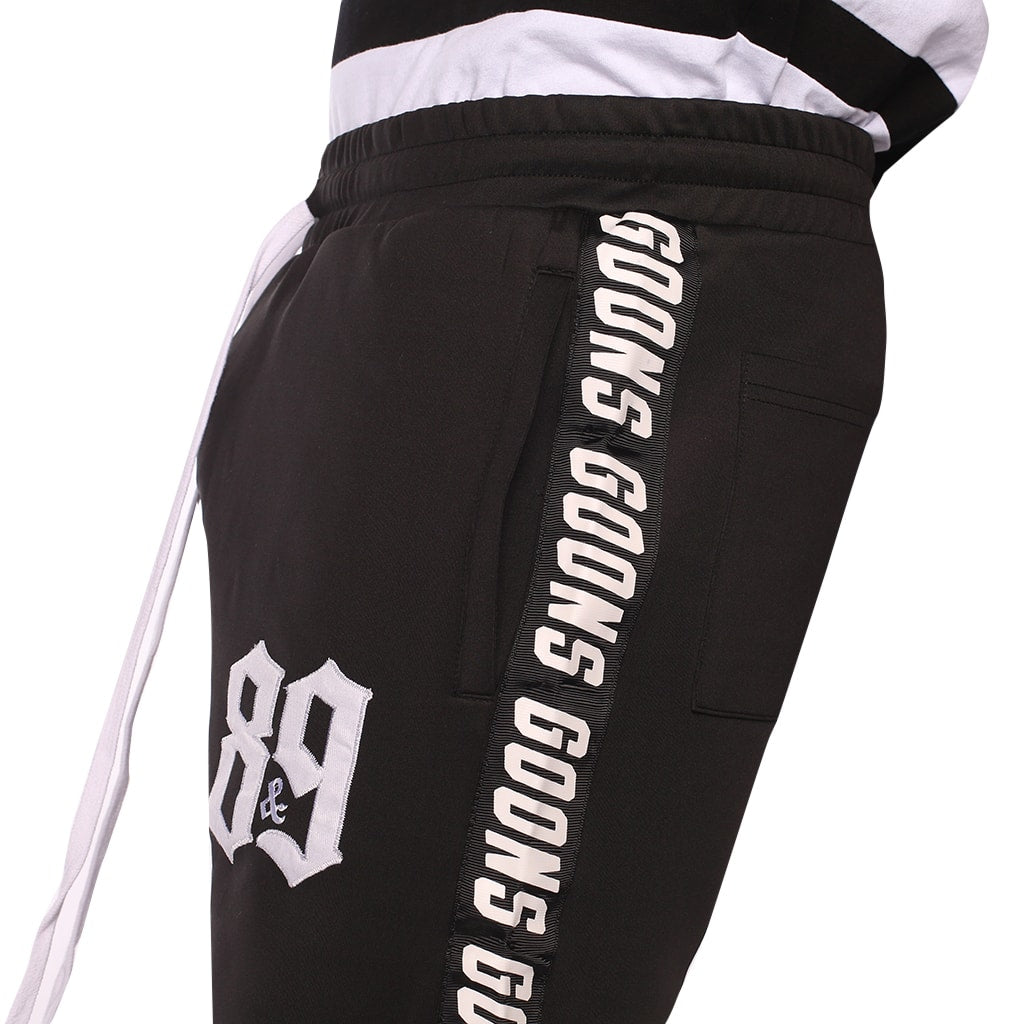 Goons Training Shorts Black details