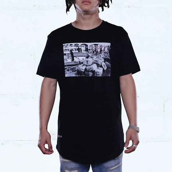 Lobster Bricks Curved Hem Tee Black