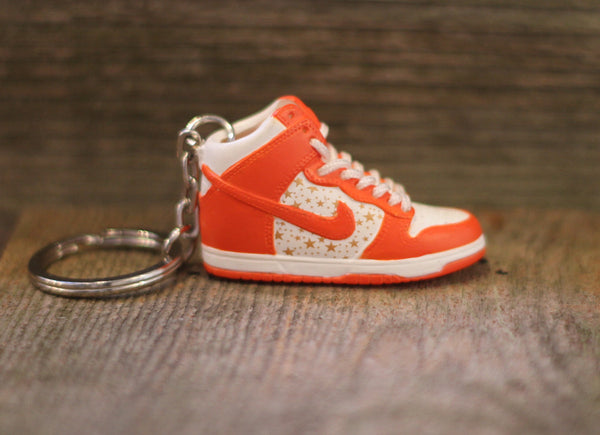 Nike Supreme Dunk High Orange Sneaker Keychain