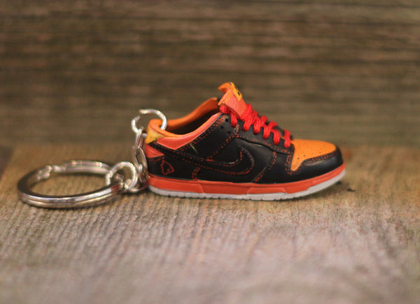 Nike SB Hawaii Dunk Low Sneaker Keychain