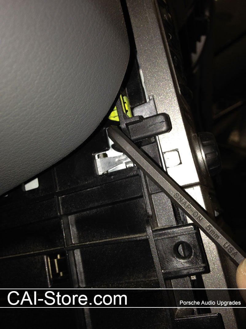 997 Boxster Cayman Radio Installation Car Audio Innovations Plastic Wiring Harness Clips In The Event One Or More Breaks You Can Simply Use A Flat Blade Screwdriver To Push Retaining Clip Towards Release