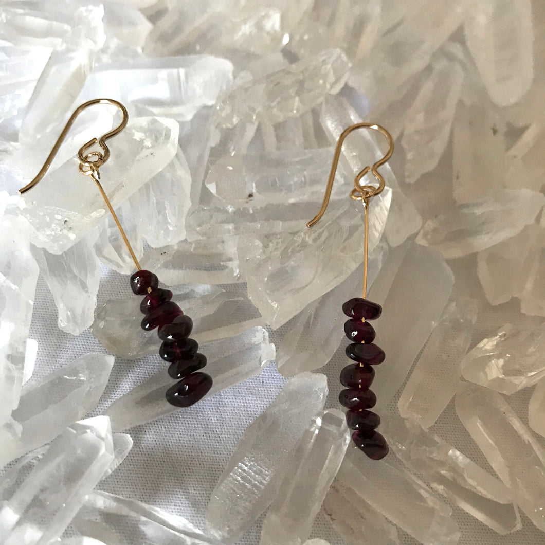 Garnet drop earrings - gold