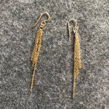 Load image into Gallery viewer, Sparkly gold drop earrings
