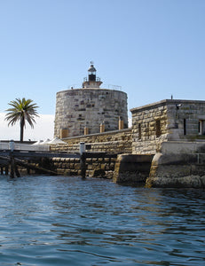 Fort Dension, Sydney Harbour National Park, Sydney, Australia [Image credit: Andy Mitchell, Commons, Wikimedia]