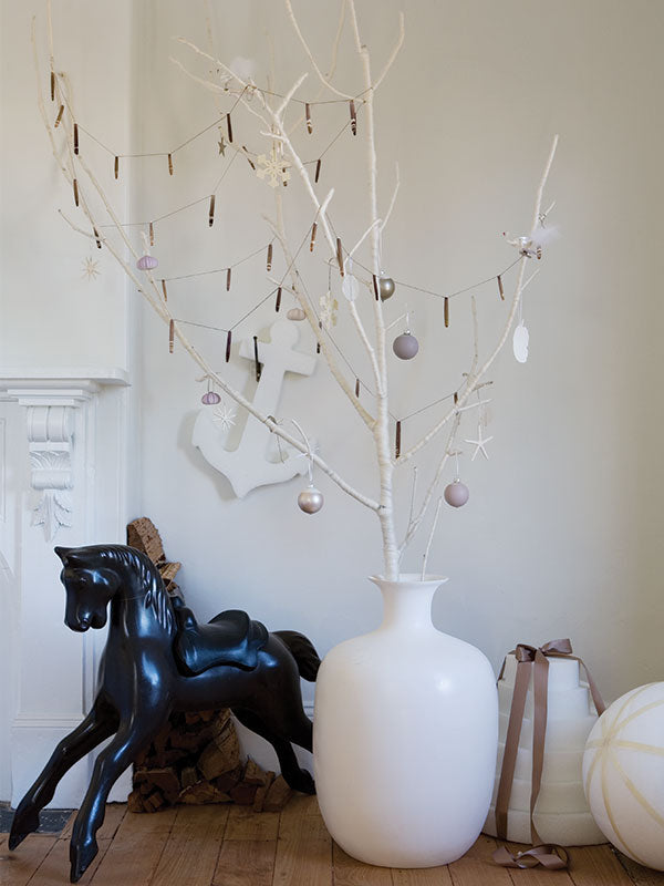 sibella-court-styling-Christmas-branch-2