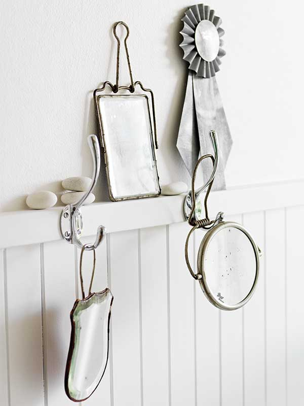 sibella-court-stylist-alphabet-shaving-mirrors