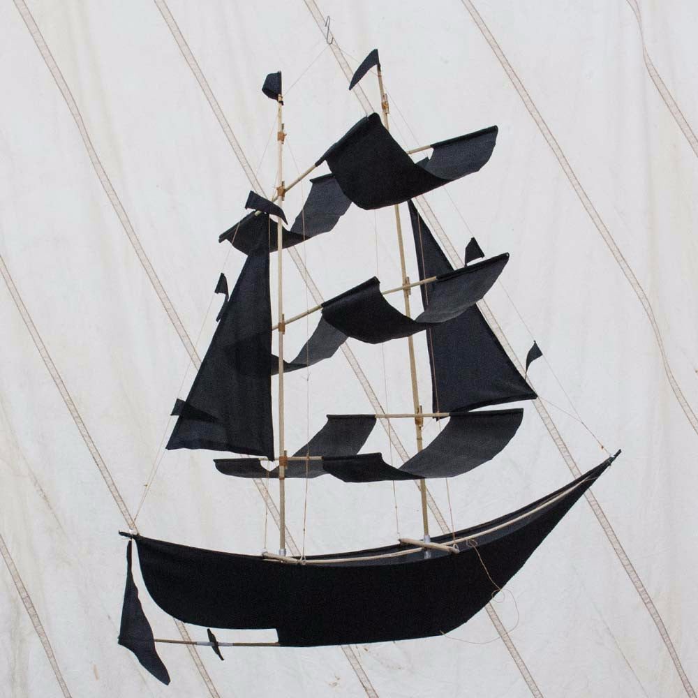 Pirate Ship Kite Black