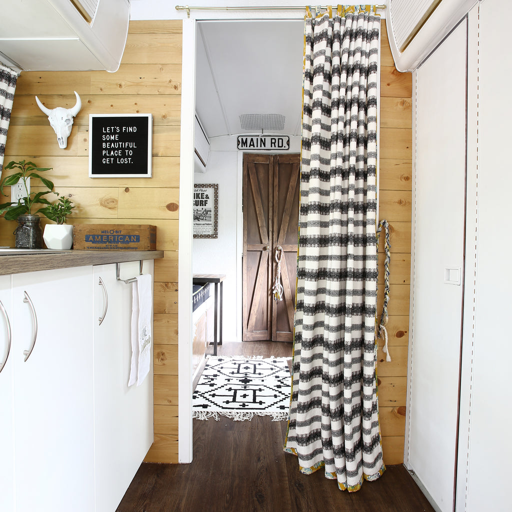 - 5 Easy Peel And Stick Shiplap Designs That Will Impress