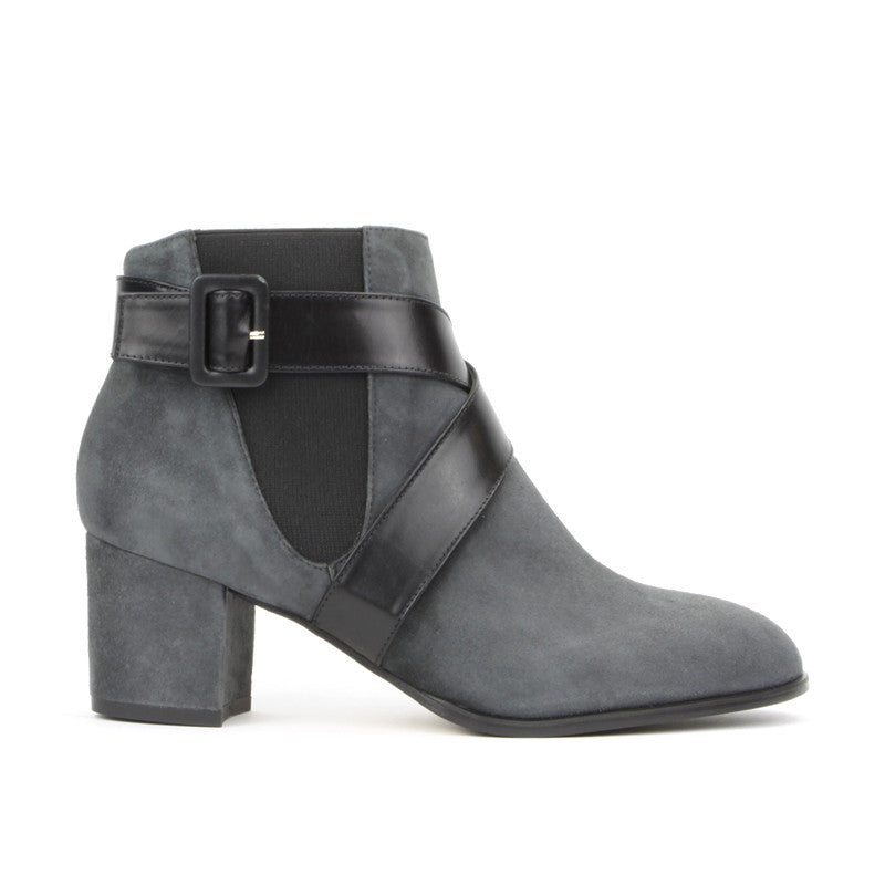 Alma Ankle Boot <b>Carbon Suede</b>