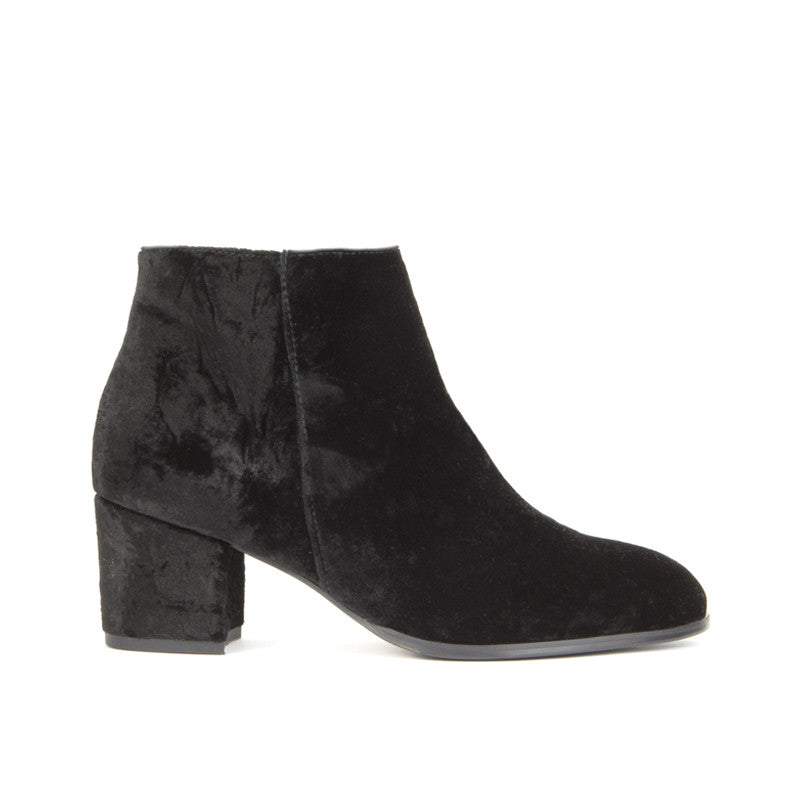Ana Ankle Boot <b>Black Velvet</b>