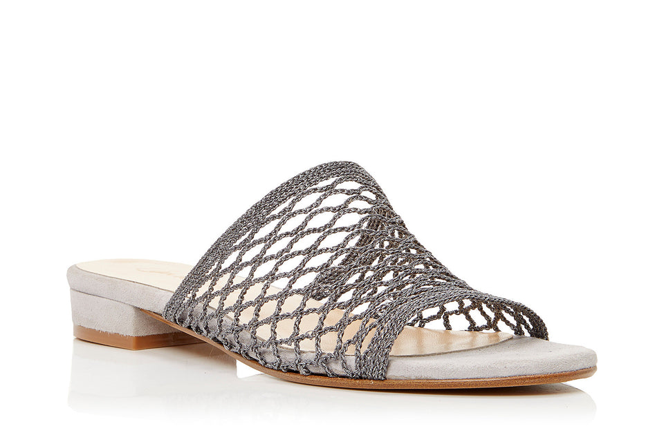 Lila Sandal in Carbon Mesh