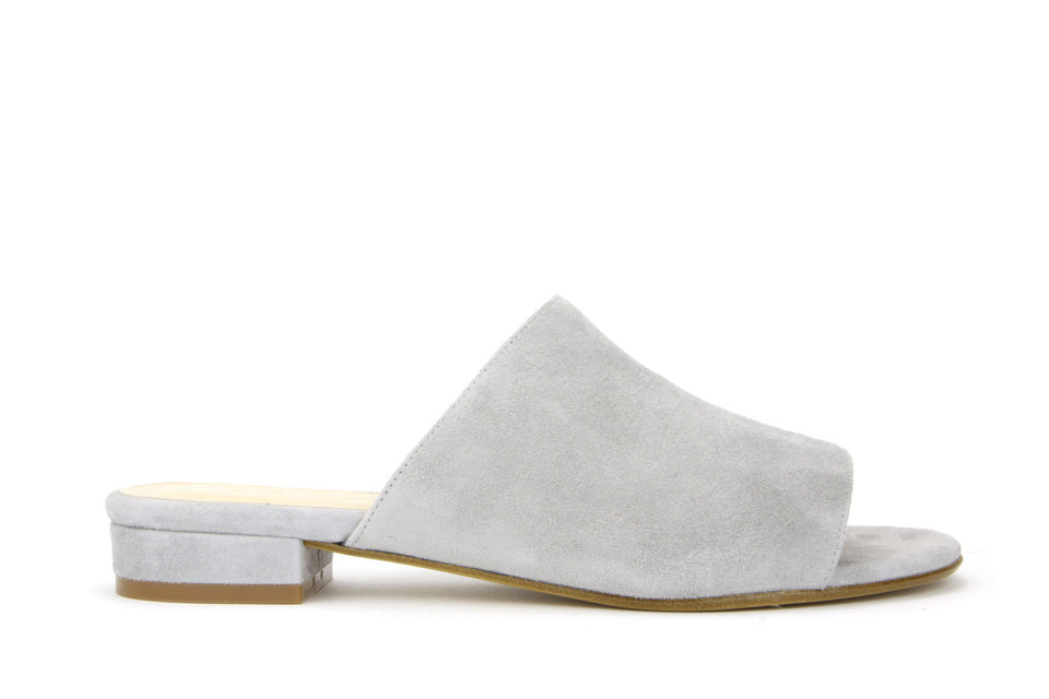 Luna Sandal in Grey Suede