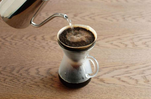 Load image into Gallery viewer, Kinto Coffee Carafe Brewer
