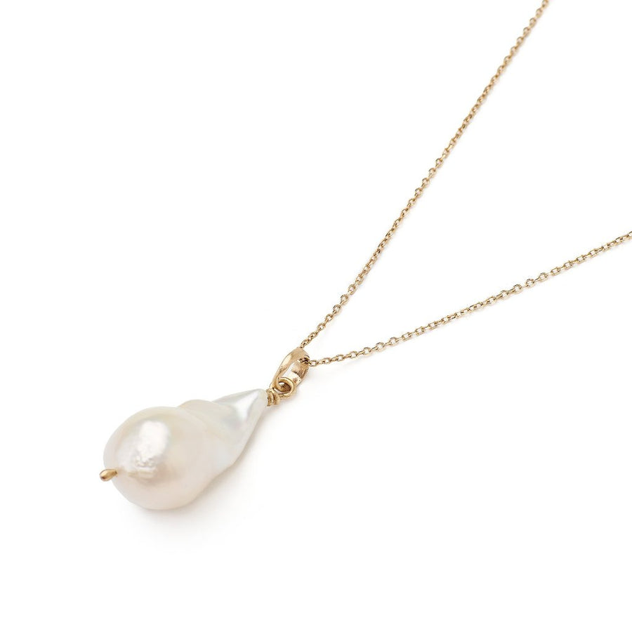 Large baroque pearl necklace on 14kt yellow gold chain