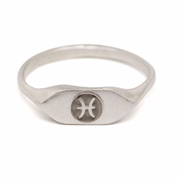 Silver zodiac signet ring Pisces horoscope sign ring