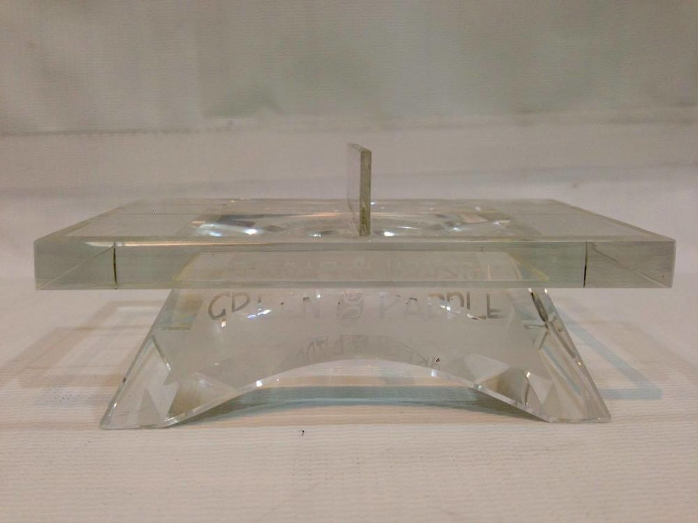 Green Paddle Crystal Table