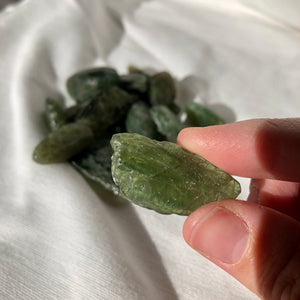 Green Apatite Tumble Stone large