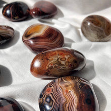 Load image into Gallery viewer, Sardonyx Palm Stones Large