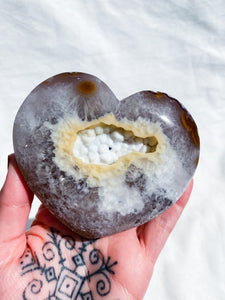 Agate with Hollandite Heart