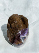 Load image into Gallery viewer, Amethyst Geode Cut Base